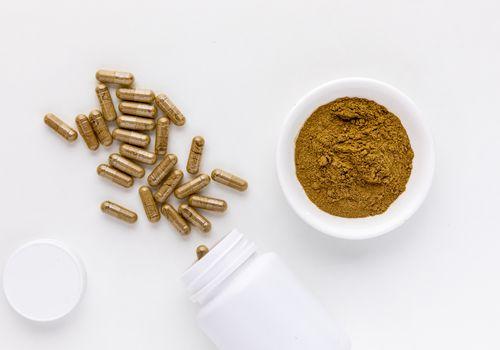 Vinpocetine capsules and powder
