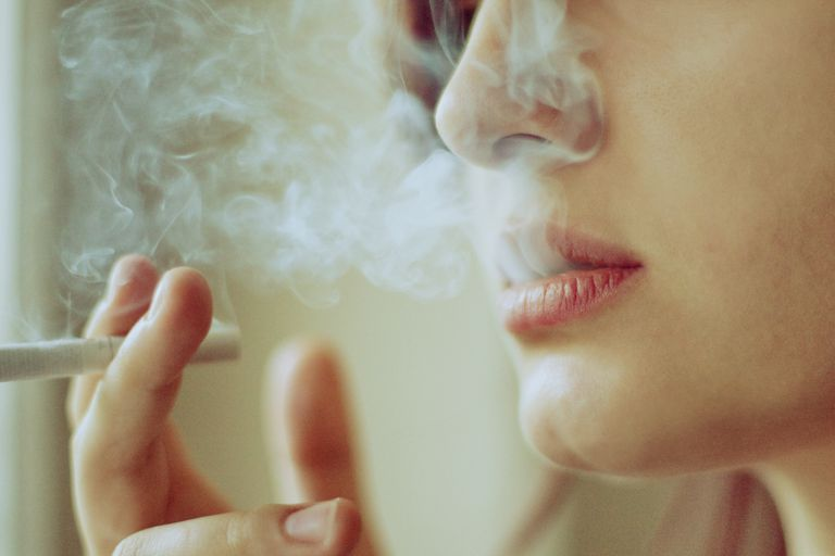 smoking might worsen this woman with fibromyalgias symptoms