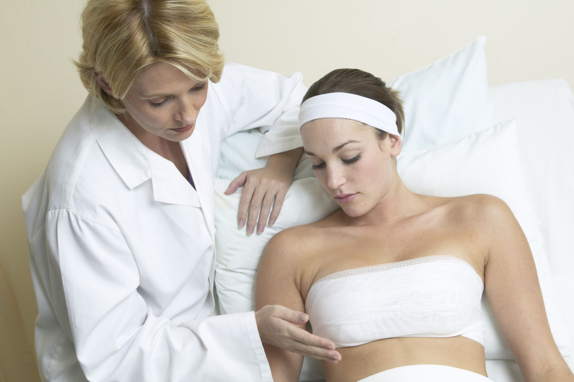 How To Manage Your Pain After Breast Augmentation