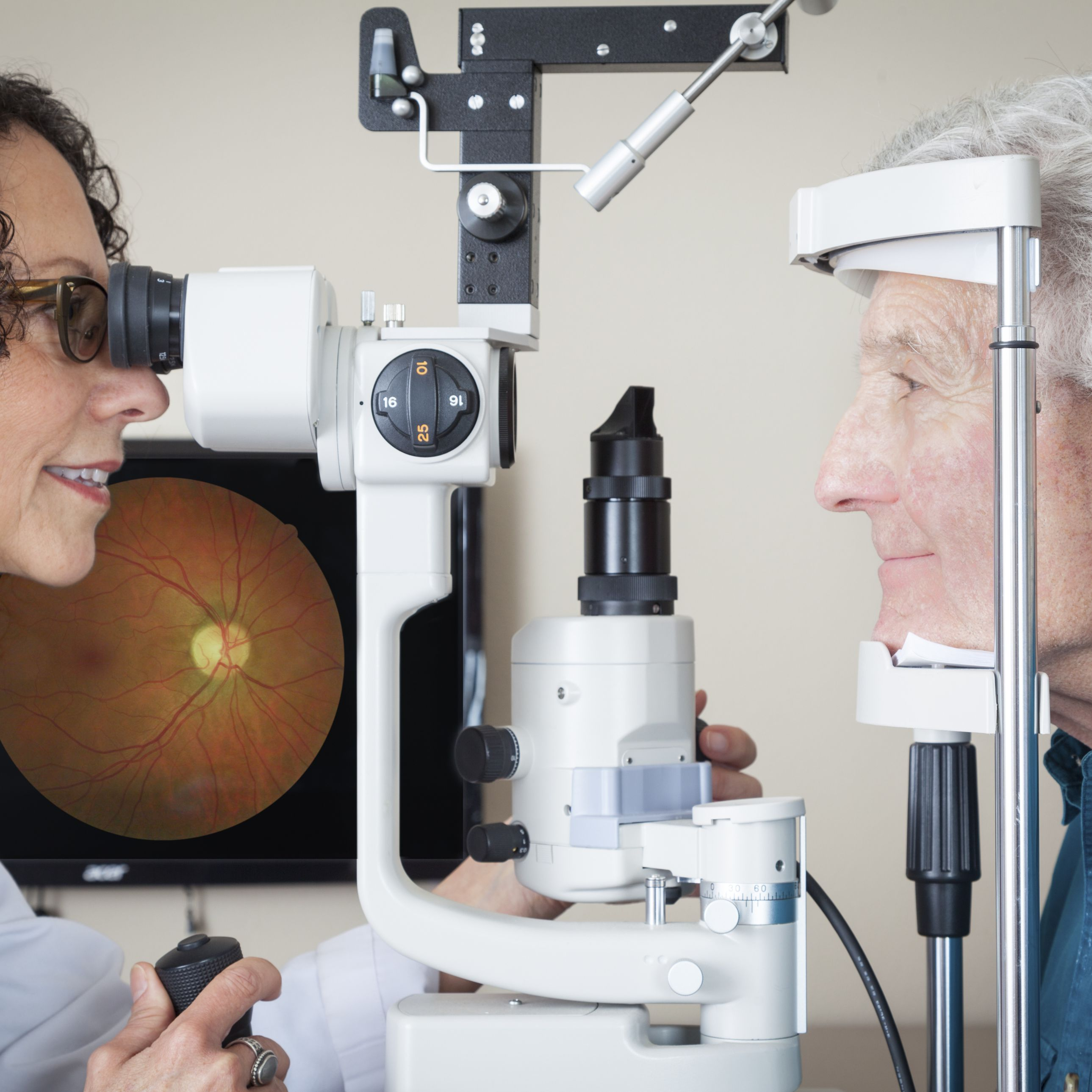 Macular Hole Symptoms and Treatment