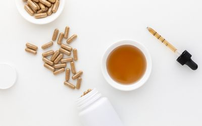 Eleuthero capsules and tincture