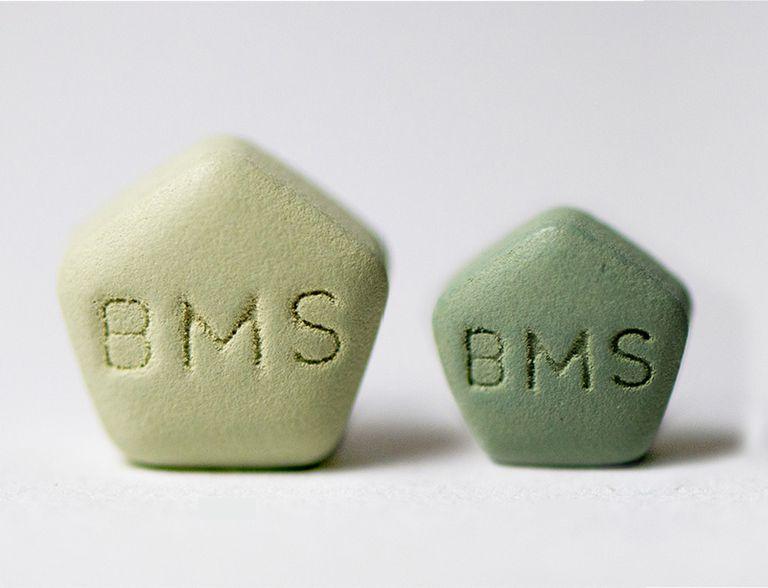 Two green daklinza pills