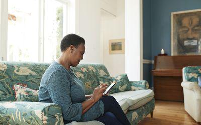 Tracking vital signs and symptoms facilitates telehealth for multiple myeloma
