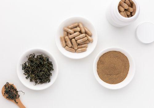 Jiaogulan tea, capsules, and powder