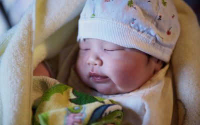 Sleep apnea and sleep deprivation may affect growth hormone release in children