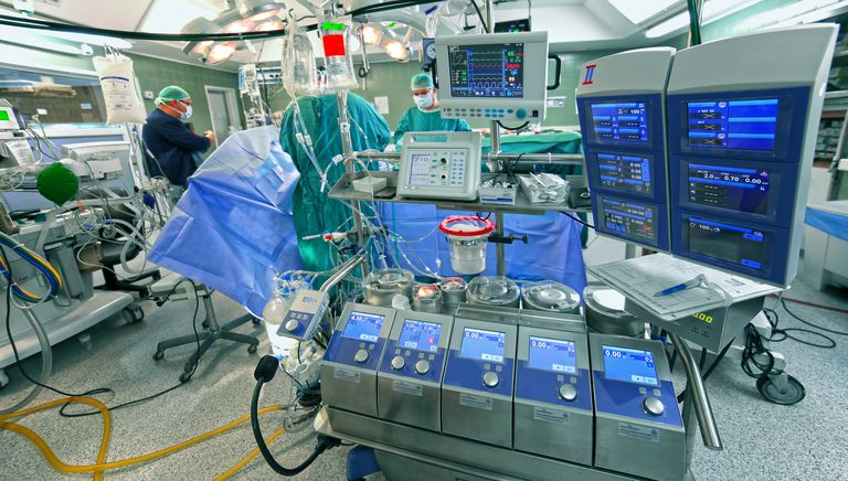 Cardiopulmonary bypass machine