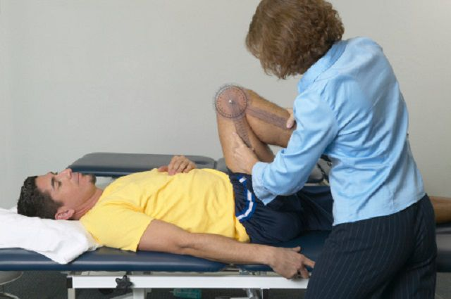 arthritis patient undergoing physical therapy