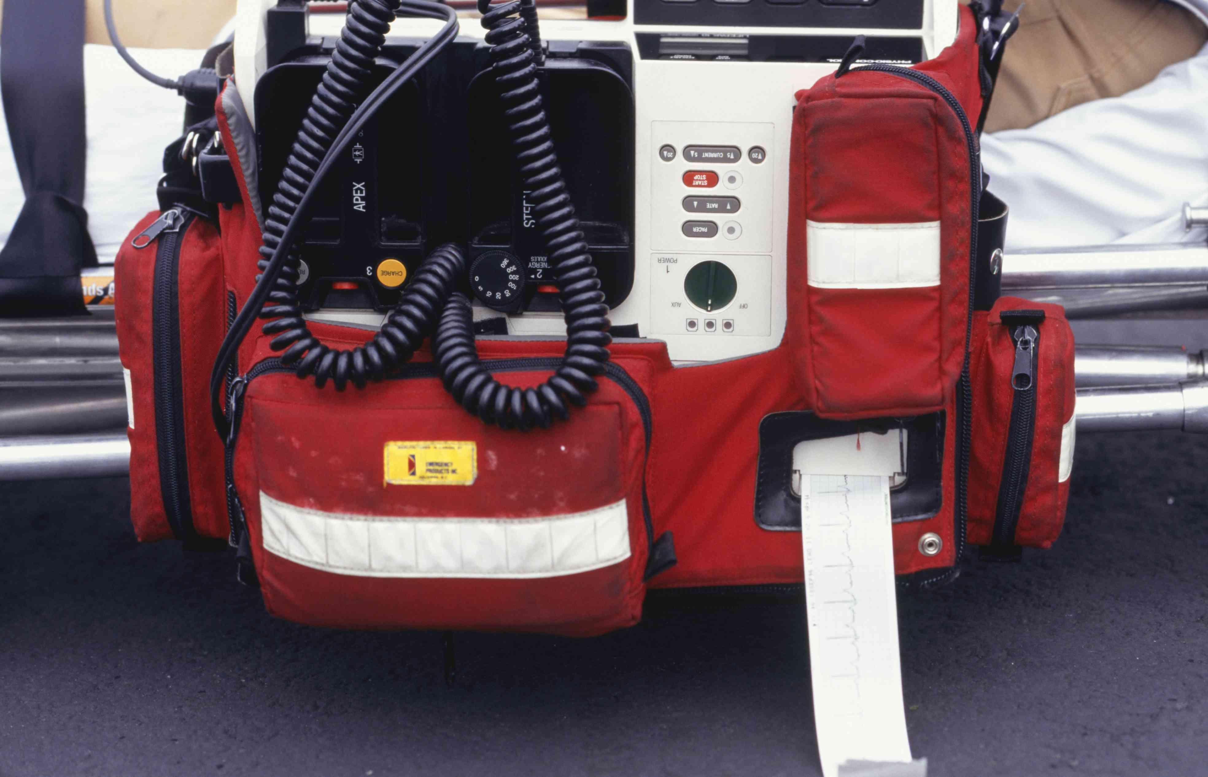 An ekg monitor defibrillator