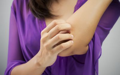 itching elbow
