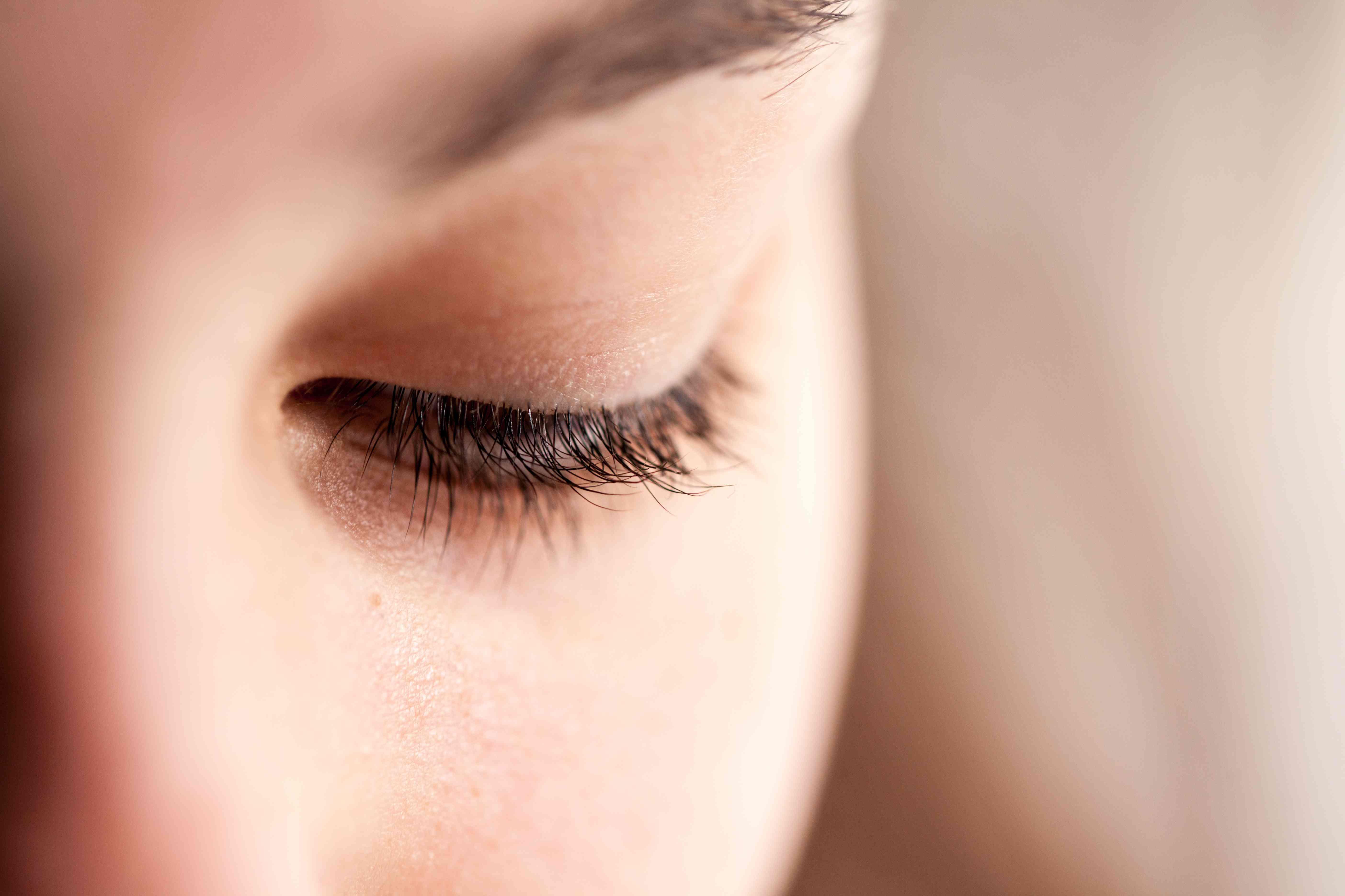 Eye, eyelid & eyelashes -details