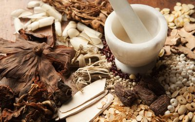 Traditional Chinese Medicine: Benefits, Uses, and What to Expect