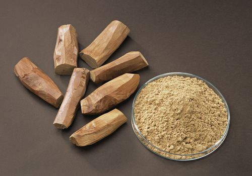 Powdered and whole sandalwood