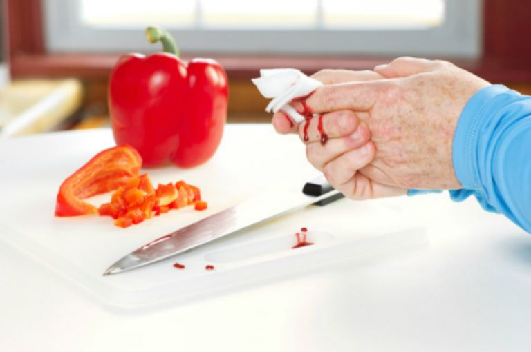 knife injury in kitchen