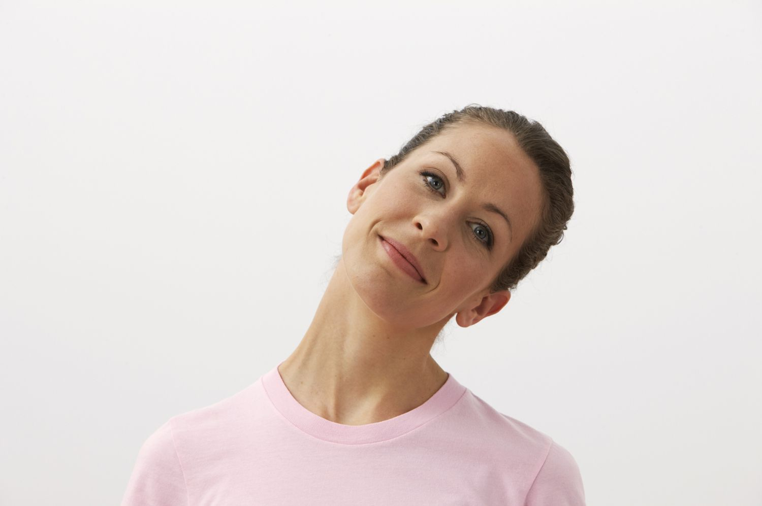 Neck rolls stretch the neck to prevent headaches