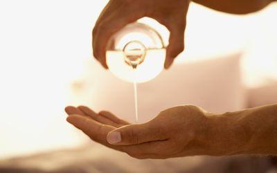 5 Best Massage Oils According to Massage Therapists