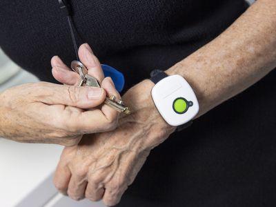 Medical alert system bracelet