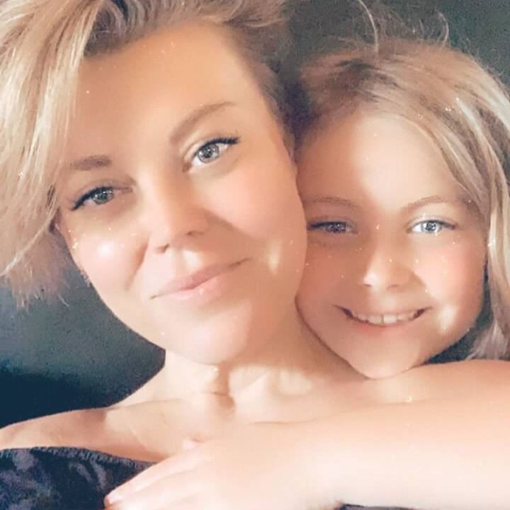 Kelly Belew with her daughter