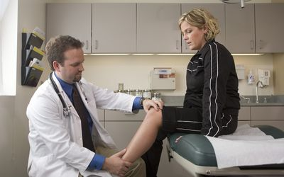 Knee Pain: Causes, Treatment, and When to See a Doctor