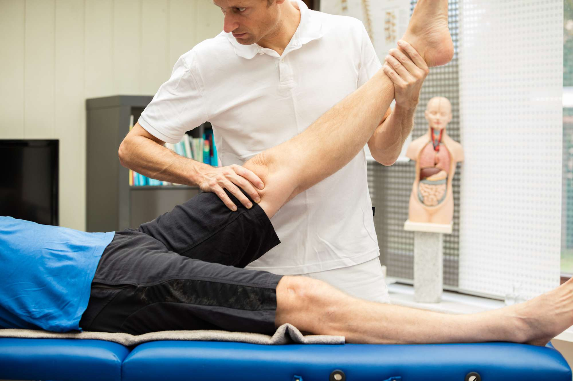 How to Perform a Straight Leg Raise Test