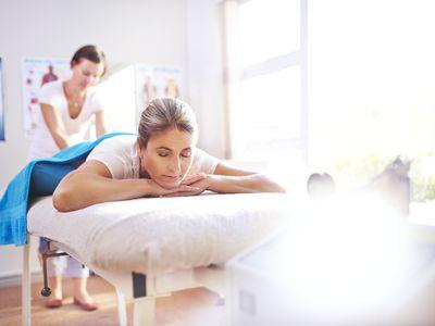 woman receiving Chiropractic Massage