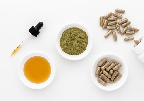 Anamu extract, powder, and capsules