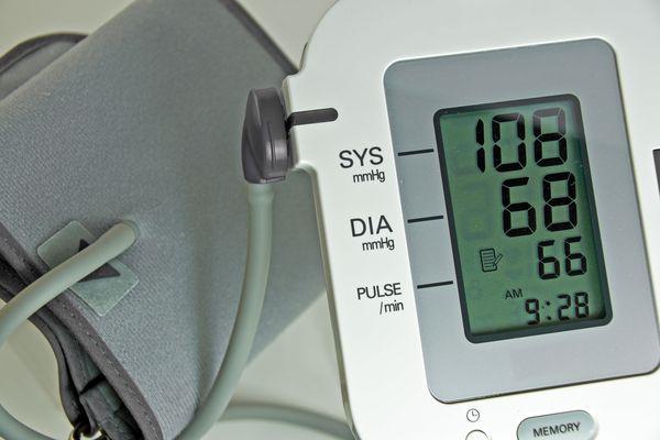 Electric blood pressure cuff