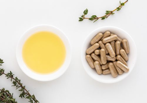 Thyme capsules and essential oil