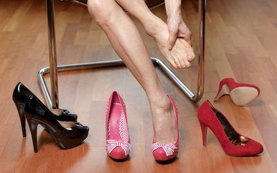 Morton's Neuroma Foot Pain Symptoms and Treatment