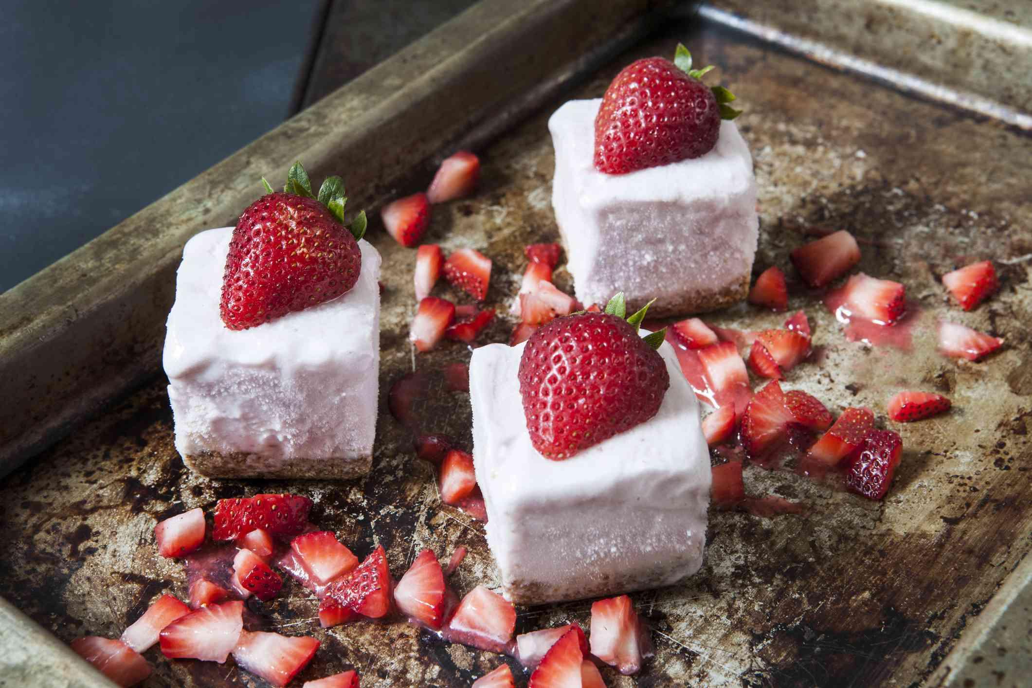 Strawberry Frozen Yogurt Bites with Graham Cracker Crust