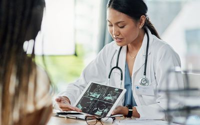 Doctor discussing fertility with patient