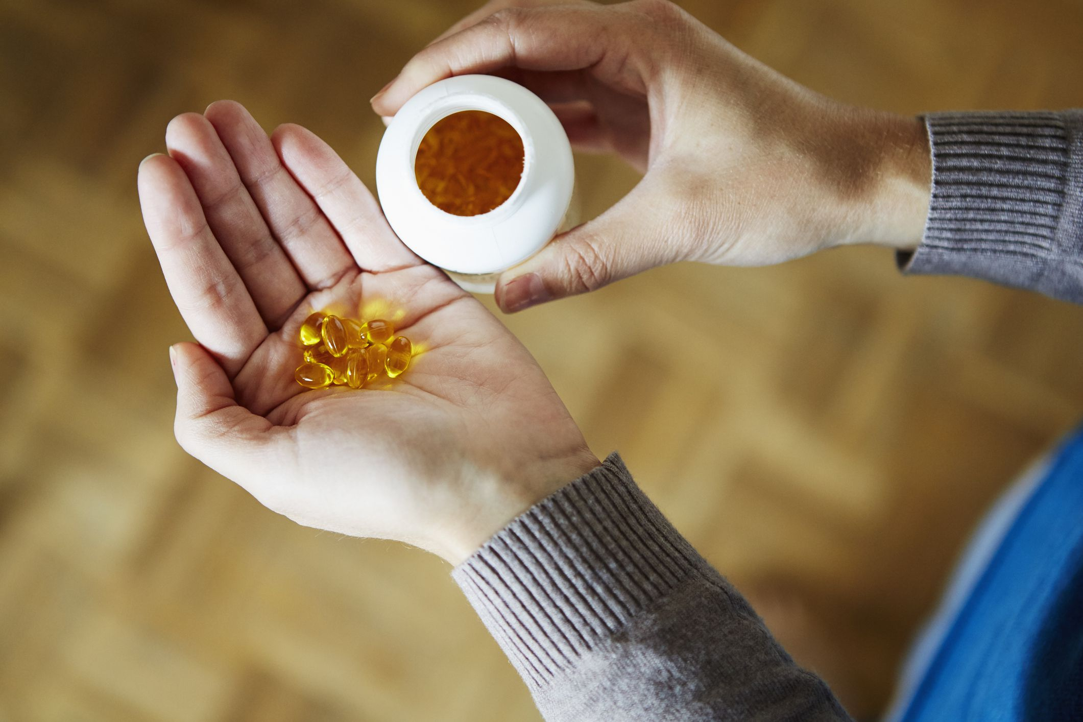 8 Supplements Dietitians Are Taking During Cold and Flu Season