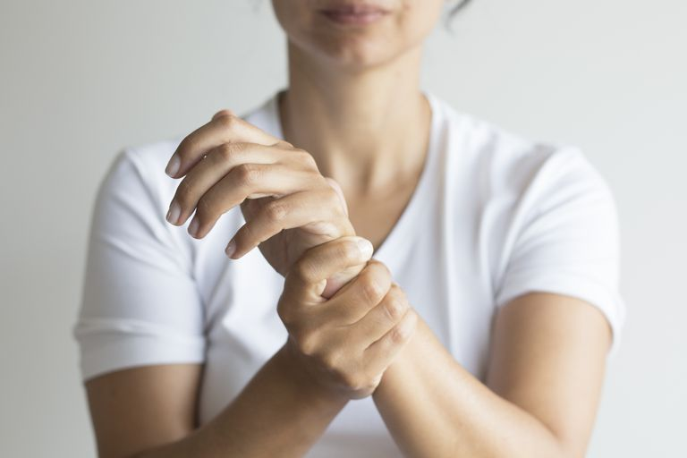 Wrist Cartilage Tear Tfcc Causes And Treatment