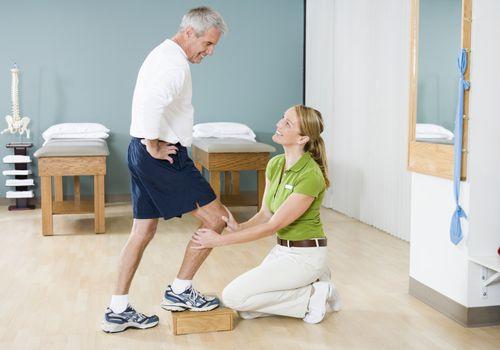 knee rehab stiff