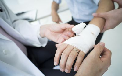 A man who wore a wedding ring got a doctor to receive an allowance for injury.