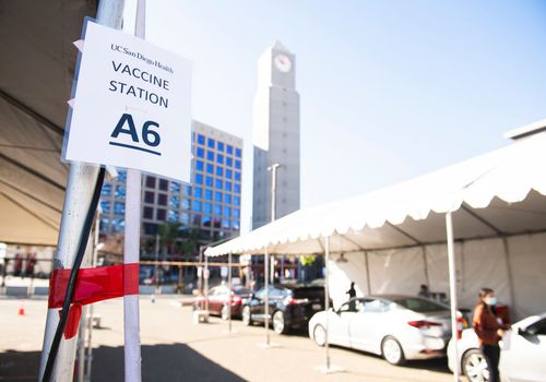 line of cars at Petco Park for covid vaccine
