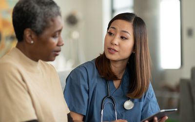 Doctor and patient discuss diabetes care