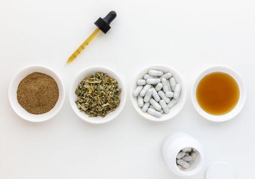Yerba santa powder, dried herb, capsules, and extract