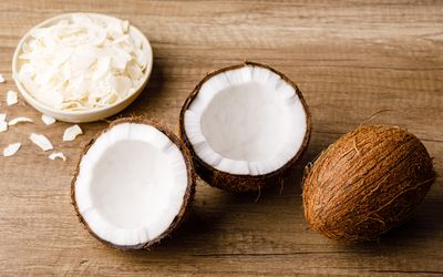 Coconut split and shavings