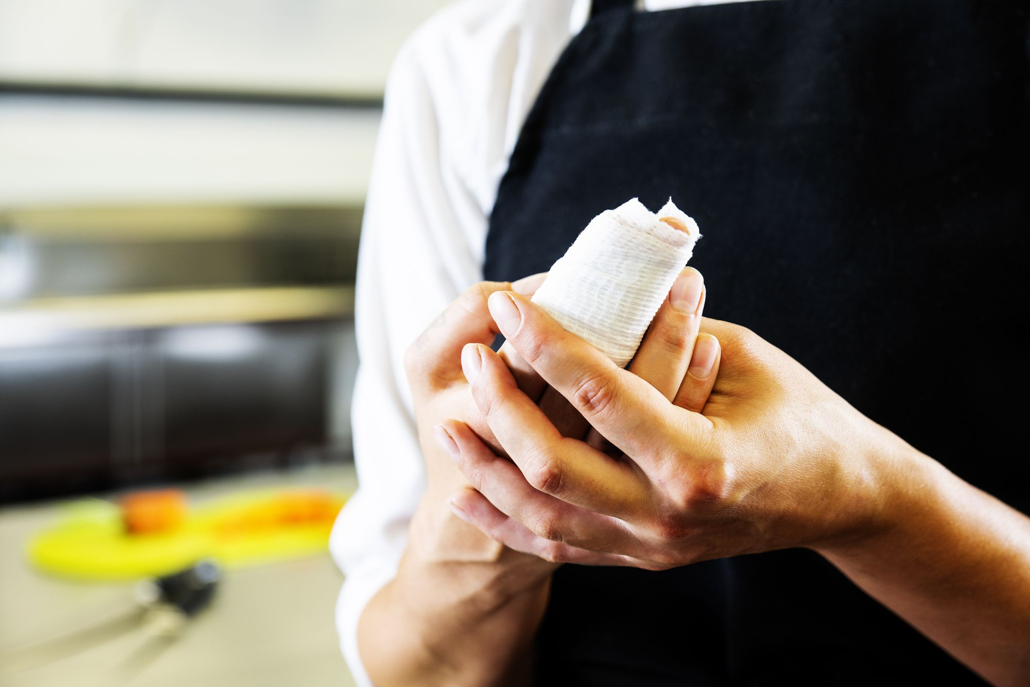How to Treat Accidental Knife Cuts in the Kitchen