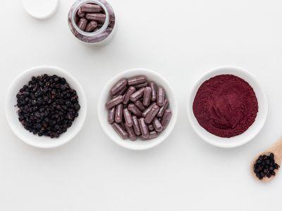 Bilberries, capsules, and powder