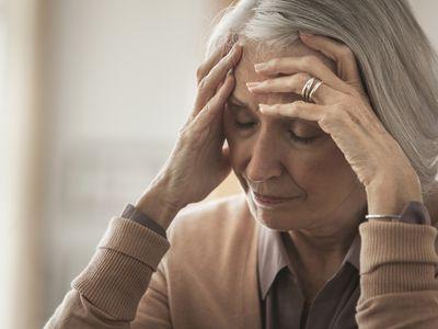 elderly-frontalheadache.jpg