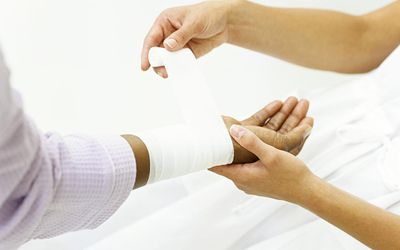How to Treat a Cut on Your Finger
