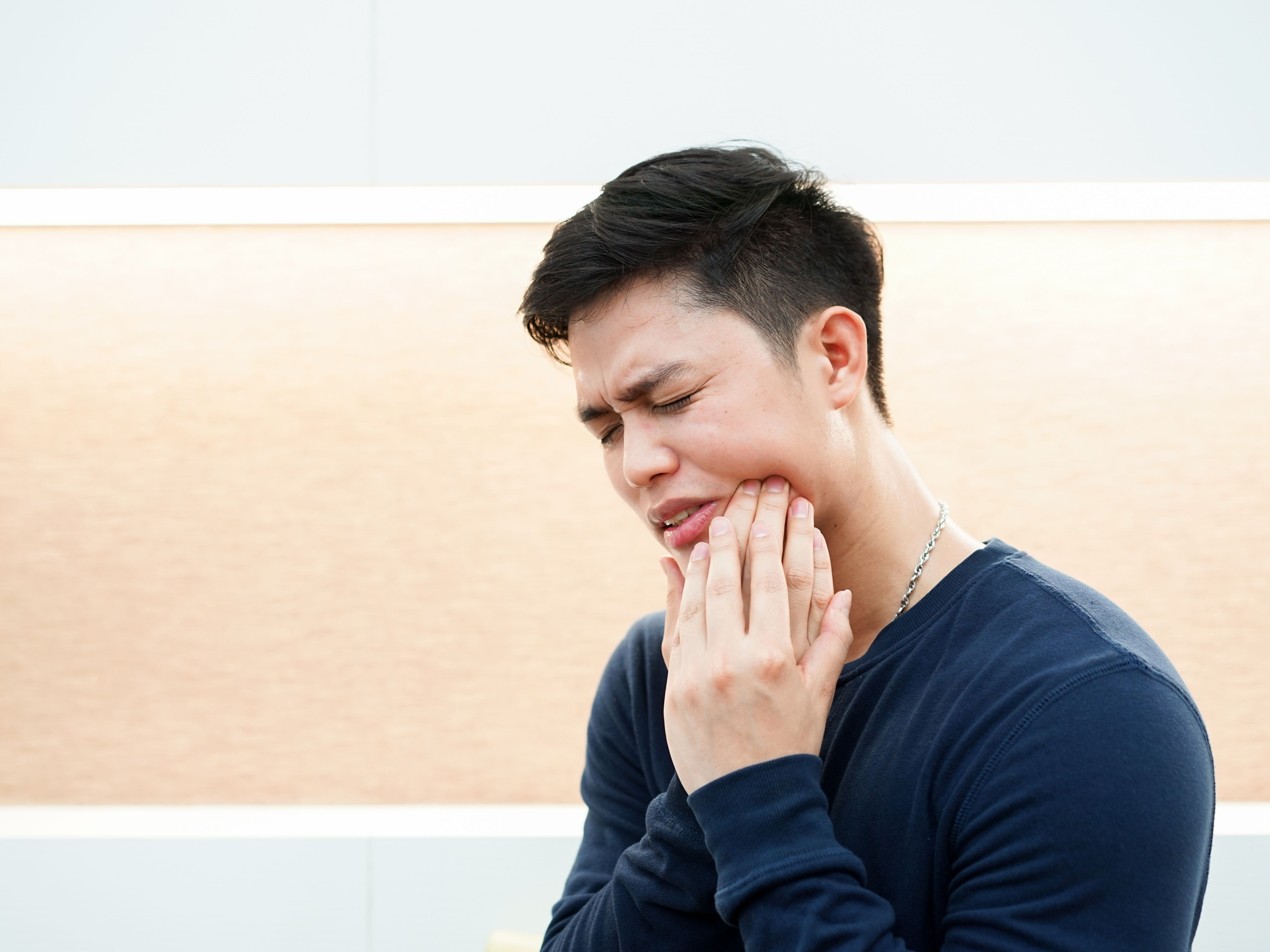 Toothache Heat Makes It Worse - Root Canal Toothache