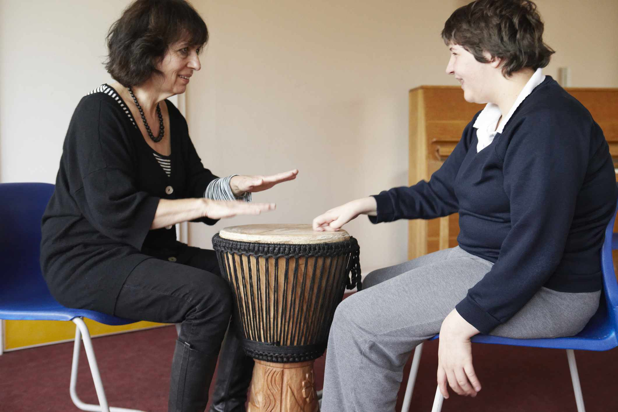 A music therapist and her patient