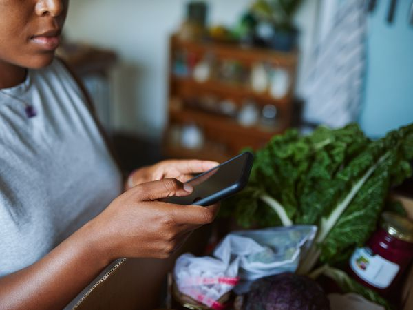 Using phone app to manage diet and conditions such as IBS