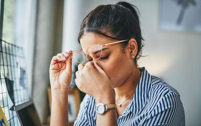 Dry eye symptoms