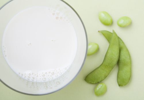 soybeans and soy milk