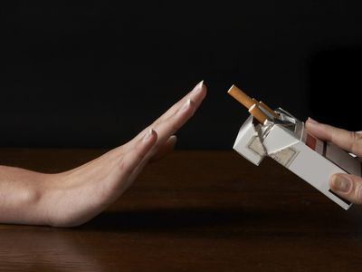 hand refusing to take a cigarette, but is nicotine alone harmless?