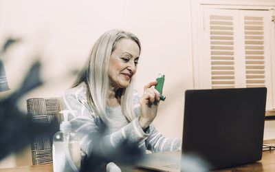 COPD patient has telehealth consult and shows inhaler