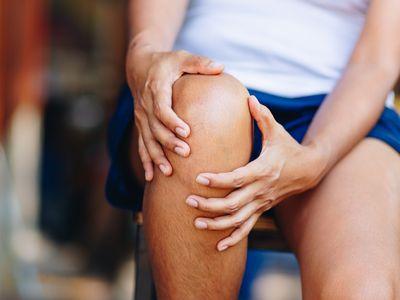 fluid on the knee